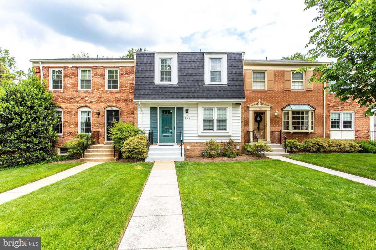 $3,200 - 3Br/4Ba -  for Sale in Stoneleigh, Mclean