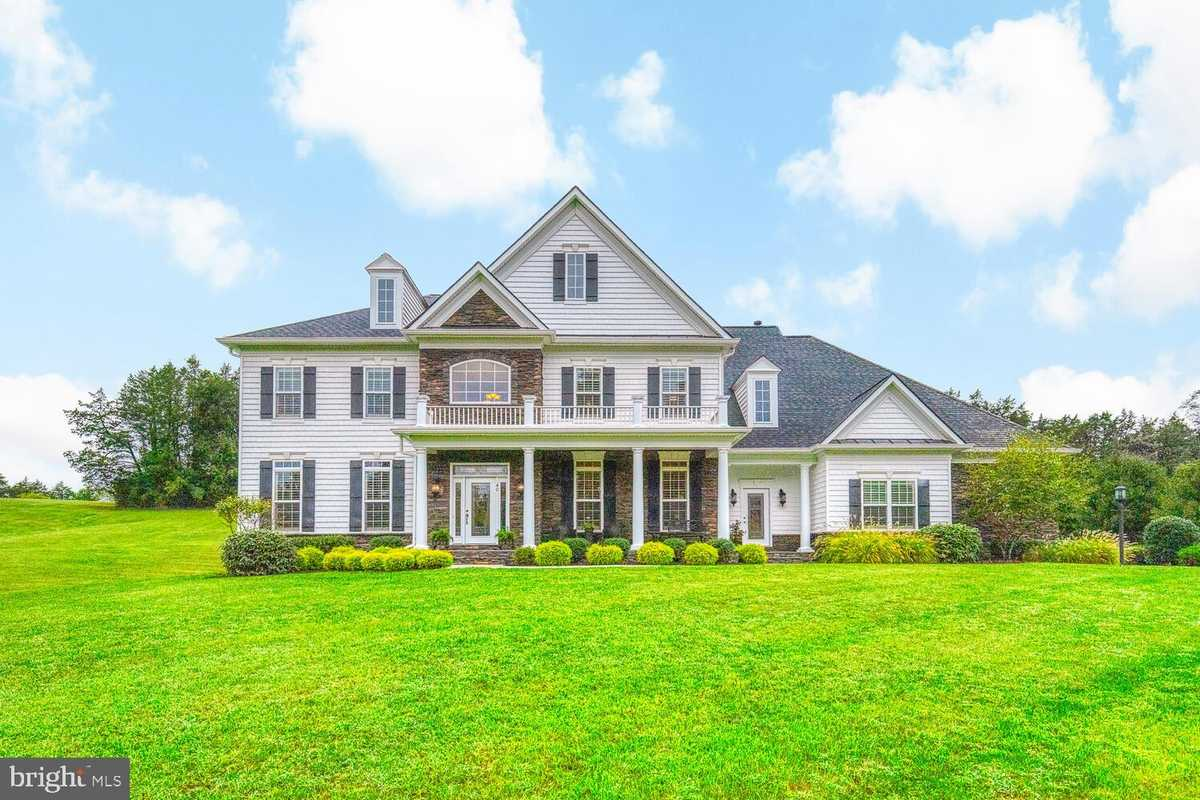 $1,080,000 - 5Br/6Ba -  for Sale in The Glens, Stafford