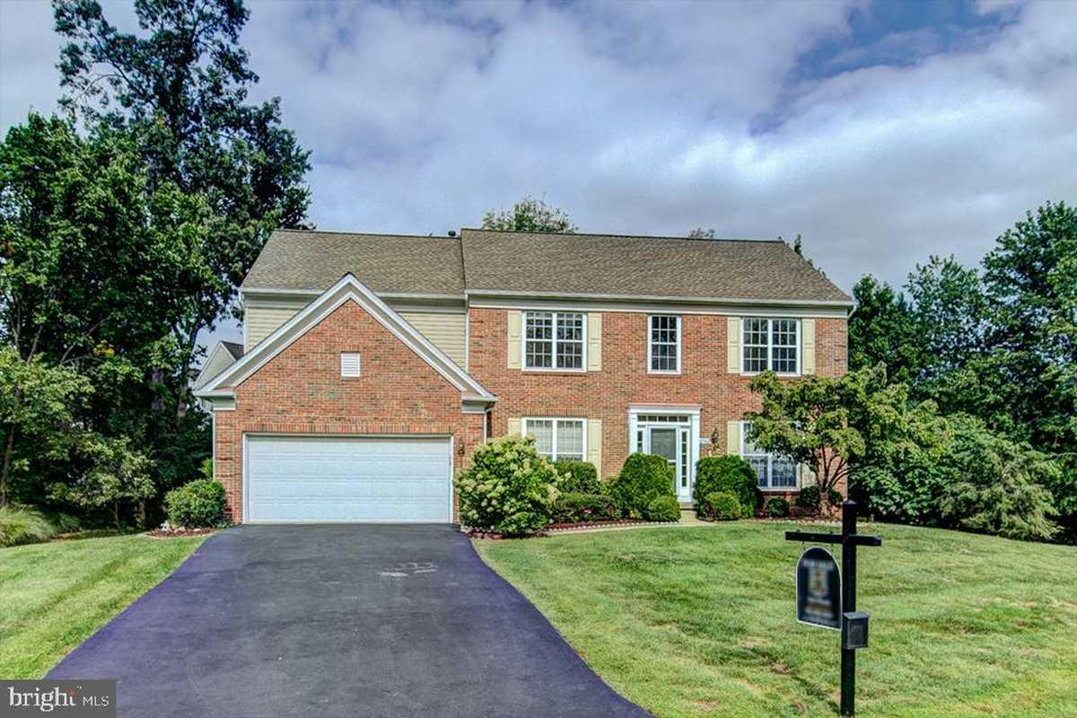 $945,000 - 4Br/4Ba -  for Sale in Oakmill, Oak Hill