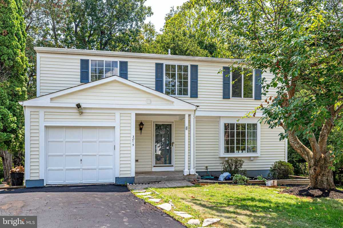 $589,998 - 4Br/3Ba -  for Sale in West Ox Cluster, Herndon