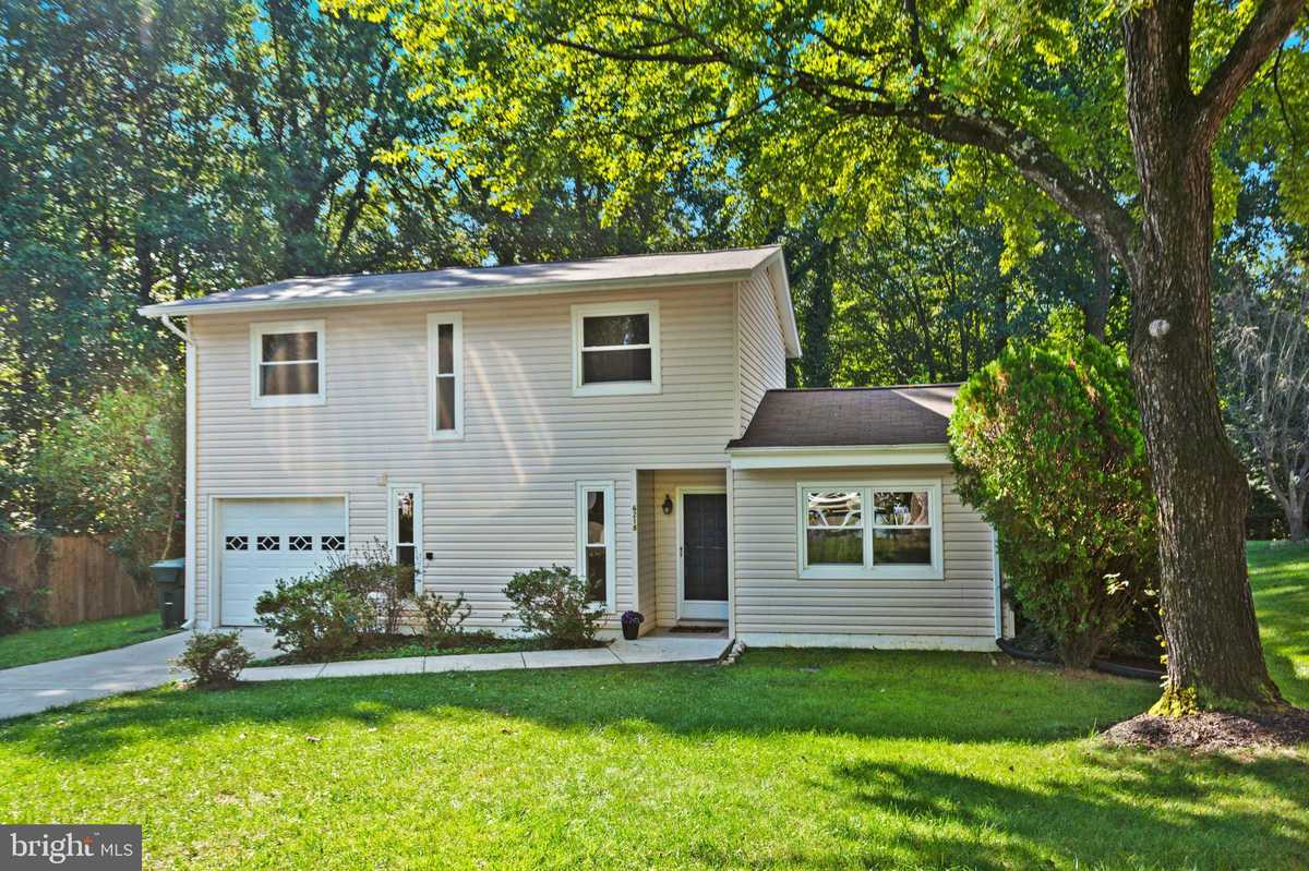 $610,000 - 3Br/3Ba -  for Sale in Rolling Valley West, Burke