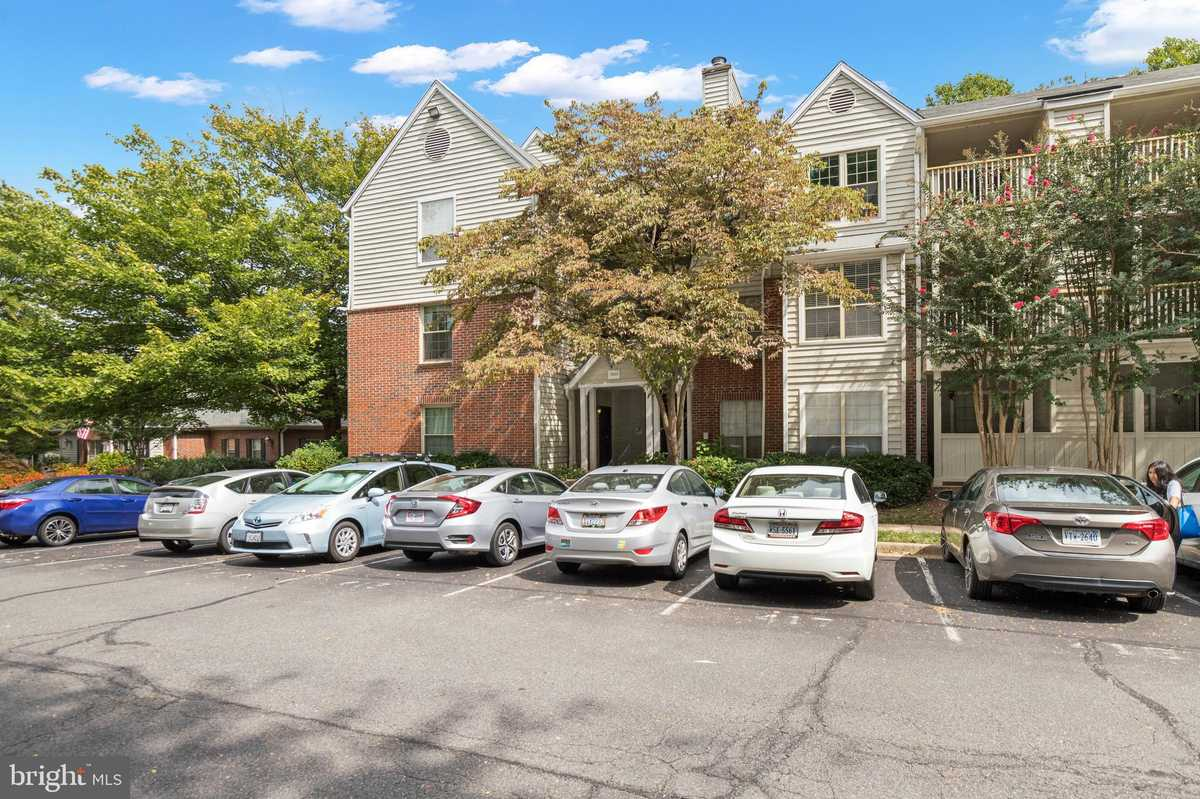 $269,900 - 2Br/1Ba -  for Sale in Penderbrook Square, Fairfax