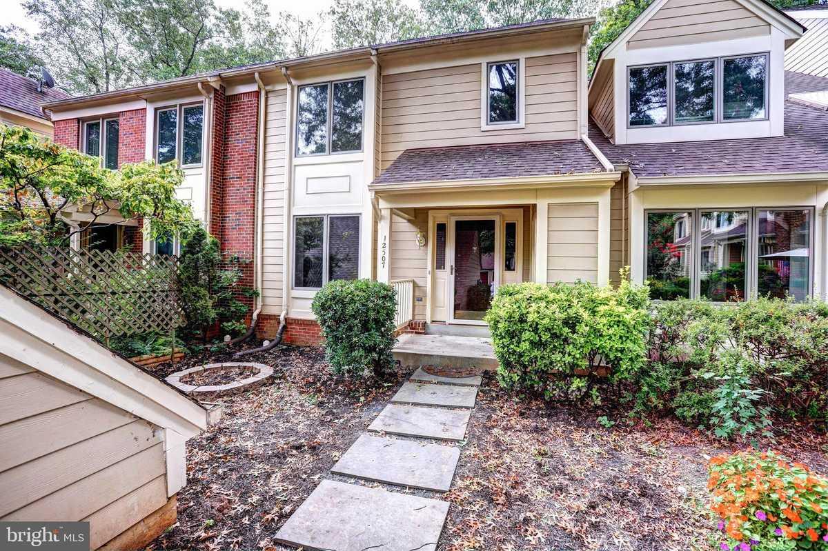 $595,500 - 3Br/4Ba -  for Sale in Fair Lakes, Fairfax
