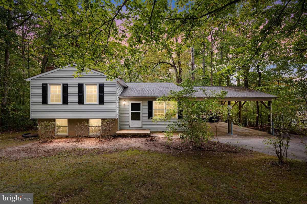 $309,900 - 3Br/3Ba -  for Sale in Winslow Heights, Fredericksburg