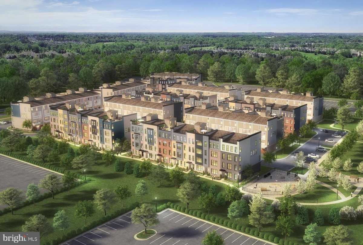 $533,120 - 3Br/3Ba -  for Sale in Ashbrook Place, Ashburn