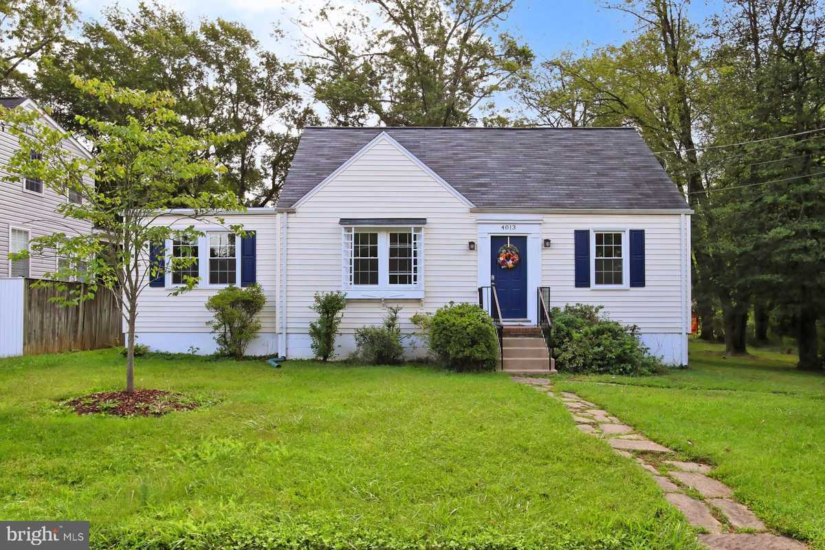 $559,900 - 4Br/1Ba -  for Sale in None Available, Fairfax