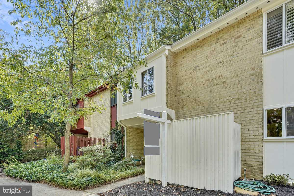 $530,000 - 4Br/4Ba -  for Sale in Reston, Reston