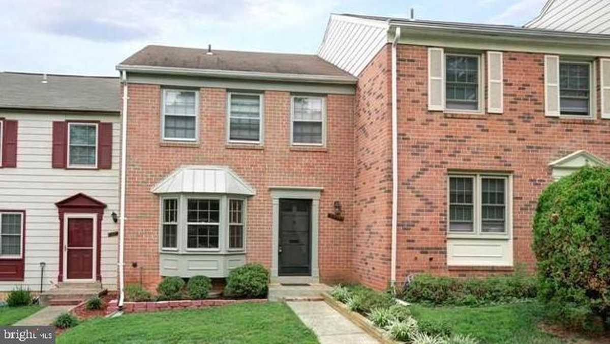 $489,000 - 3Br/4Ba -  for Sale in Sunset Village, Annandale