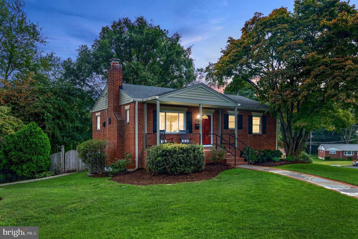 $625,000 - 3Br/2Ba -  for Sale in Fairview, Fairfax