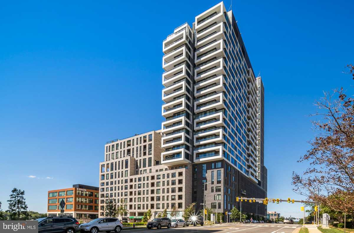 $998,000 - 2Br/2Ba -  for Sale in The Boro, Mclean