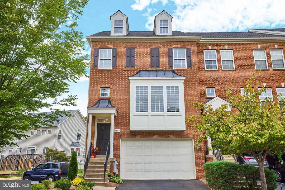 $569,900 - 3Br/4Ba -  for Sale in Grove At Huntley Meadows, Alexandria