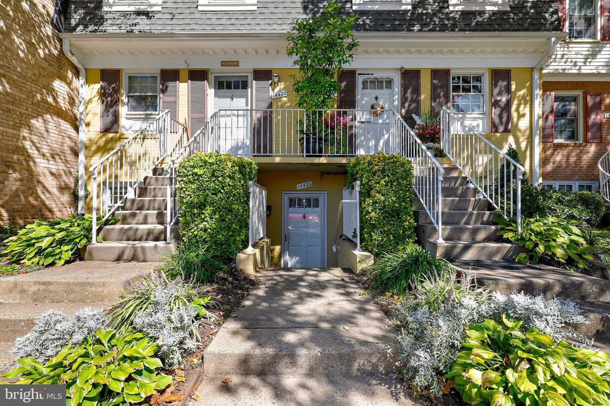 $269,900 - 2Br/1Ba -  for Sale in The Meadows, Centreville