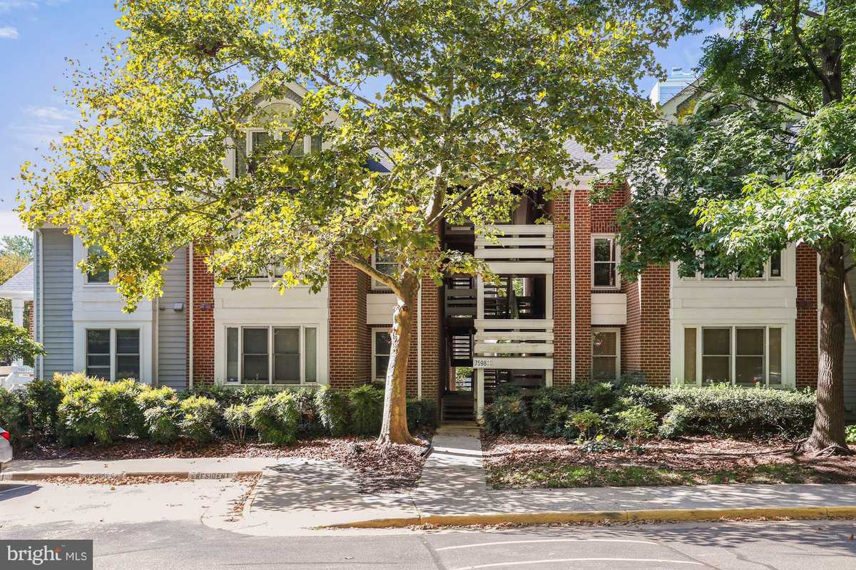 $250,000 - 1Br/1Ba -  for Sale in The Cove, Falls Church