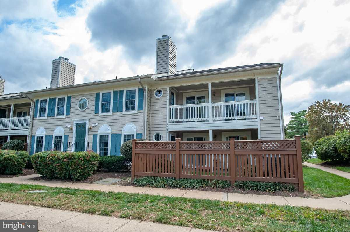 $369,950 - 2Br/2Ba -  for Sale in Essex House, Alexandria
