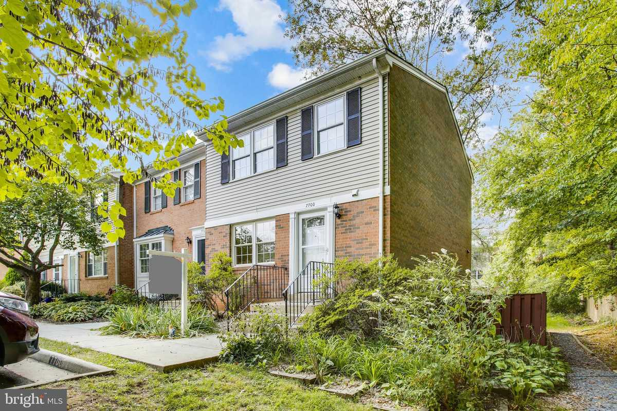 $595,000 - 3Br/4Ba -  for Sale in Pinewood Greens, Falls Church