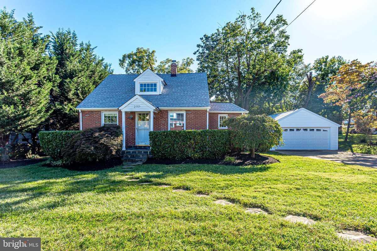 $679,000 - 3Br/3Ba -  for Sale in Memorial Heights, Alexandria