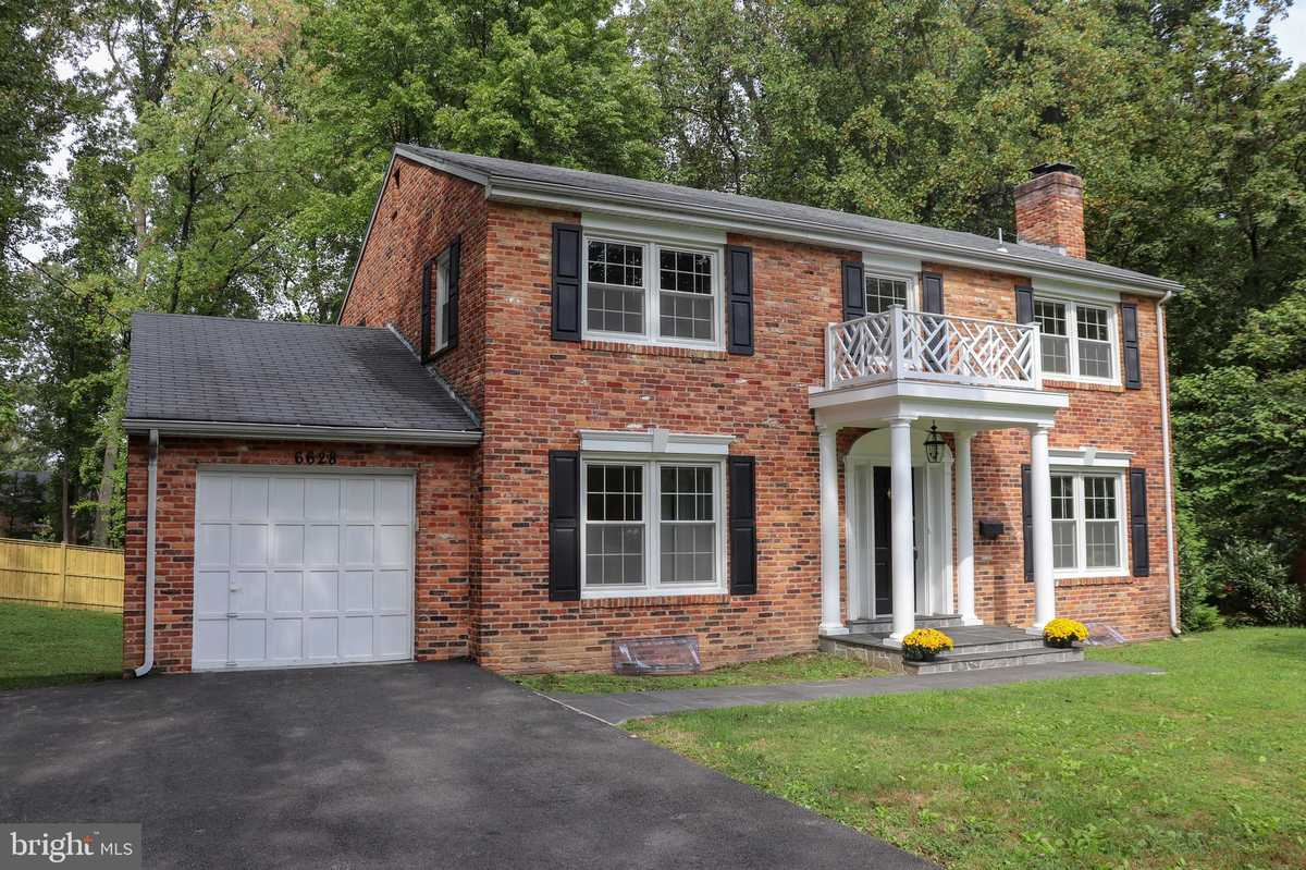 $859,000 - 5Br/3Ba -  for Sale in Sleepy Hollow Park, Falls Church