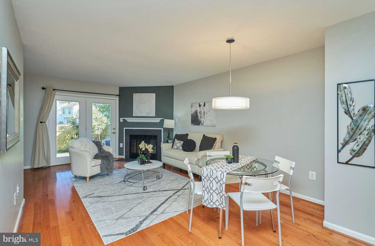 $439,000 - 2Br/4Ba -  for Sale in South Kings Station, Alexandria