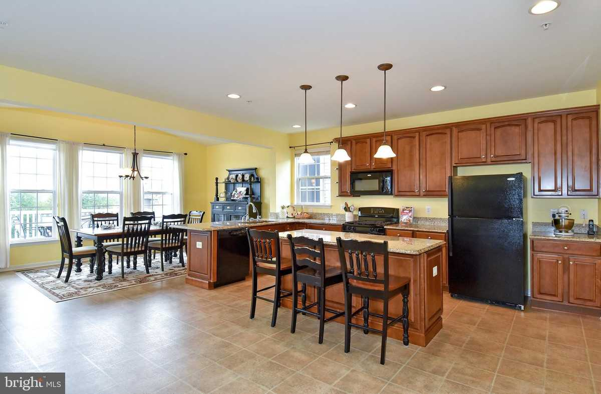 $689,900 - 4Br/4Ba -  for Sale in Whittier Pond, Frederick
