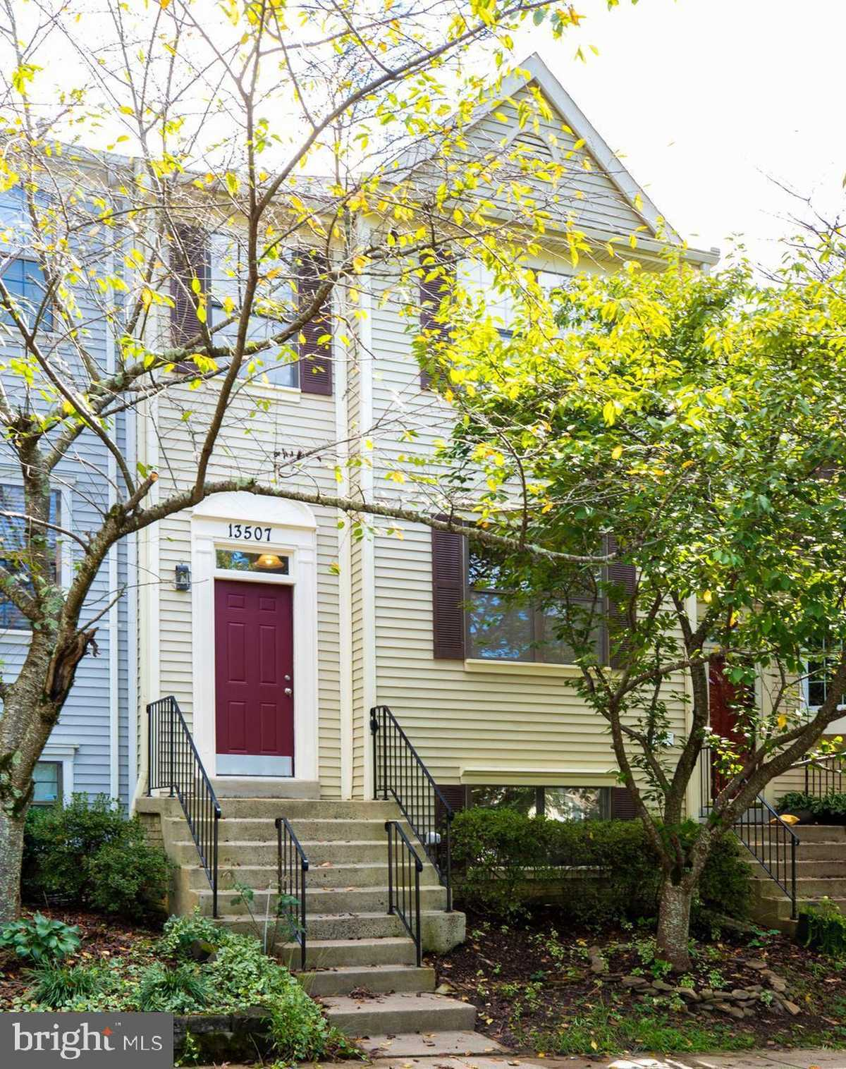 $460,000 - 3Br/4Ba -  for Sale in Sequoia Lea, Clifton