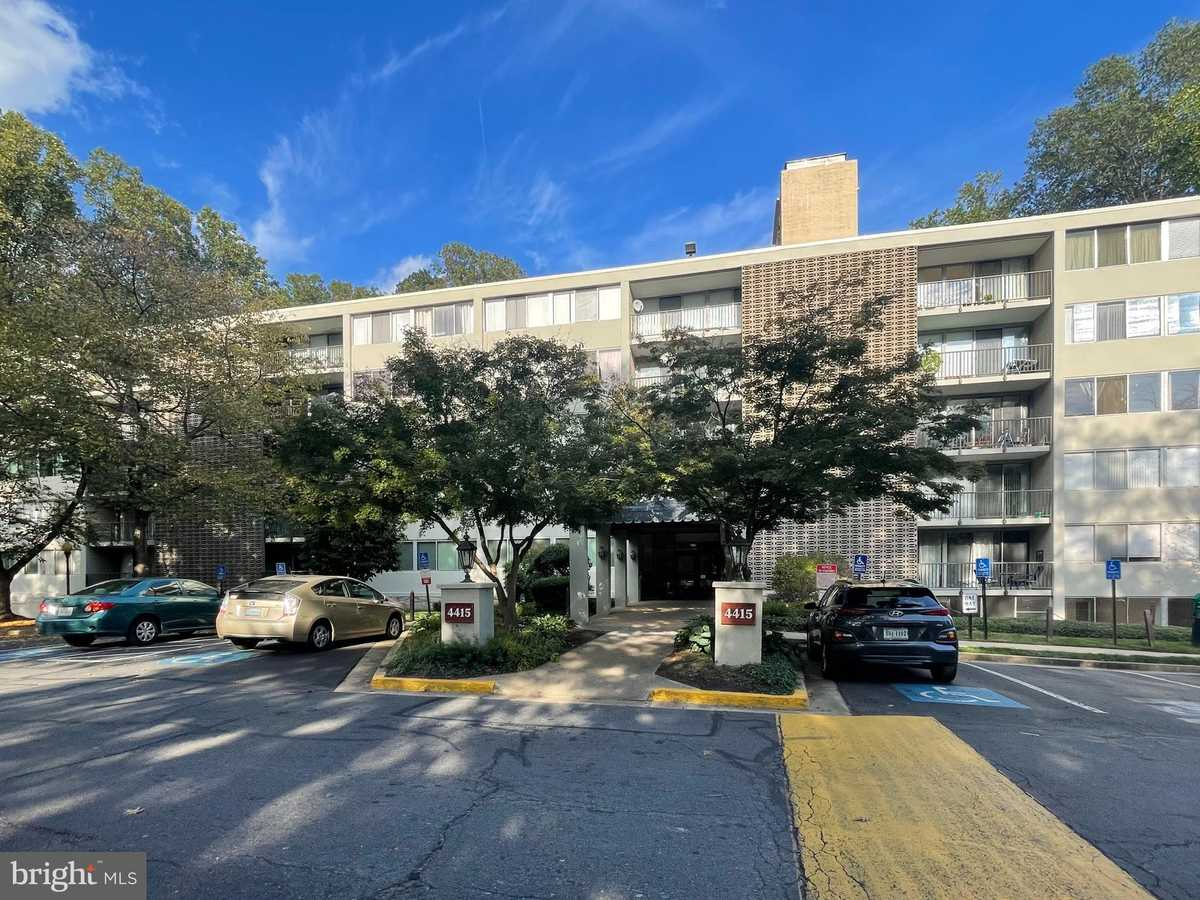 $249,900 - 3Br/2Ba -  for Sale in Briarwood Court, Annandale