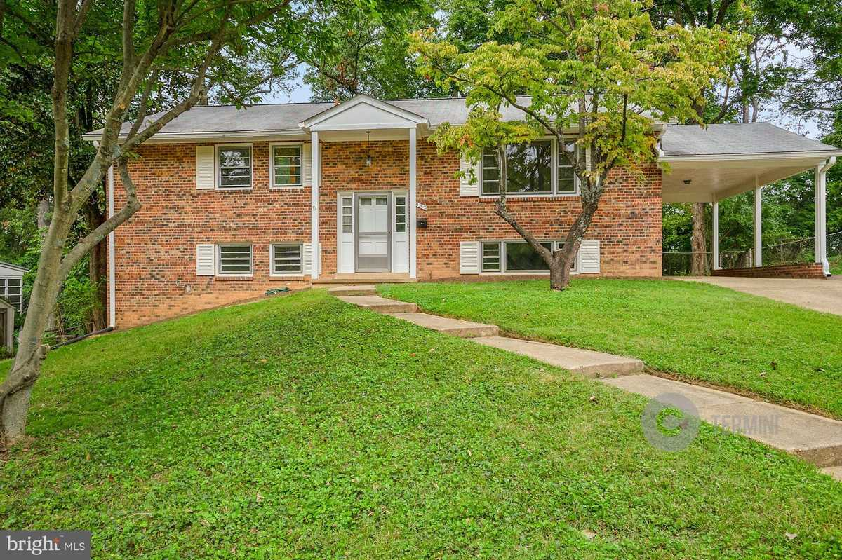 $725,000 - 4Br/3Ba -  for Sale in Westwood Park, Falls Church