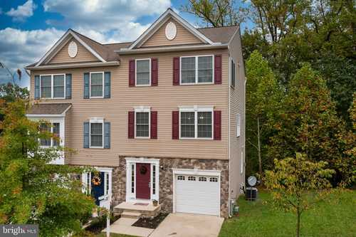 $389,000 - 3Br/3Ba -  for Sale in Quilting Bee, Catonsville