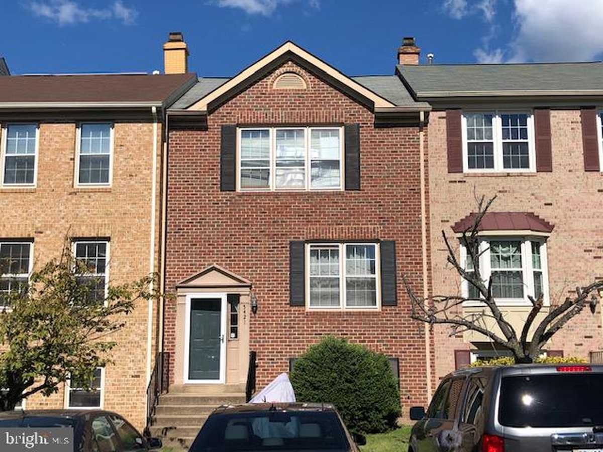 $489,888 - 4Br/4Ba -  for Sale in None Available, Centreville