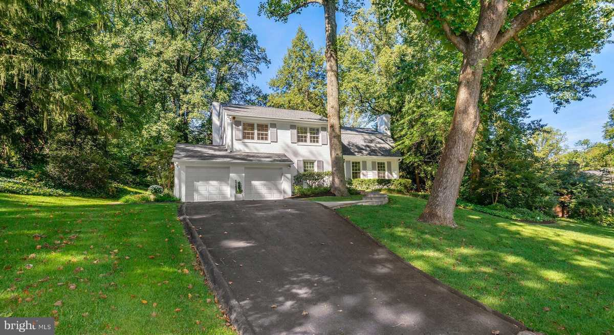 $897,500 - 4Br/3Ba -  for Sale in Barcroft Woods, Falls Church