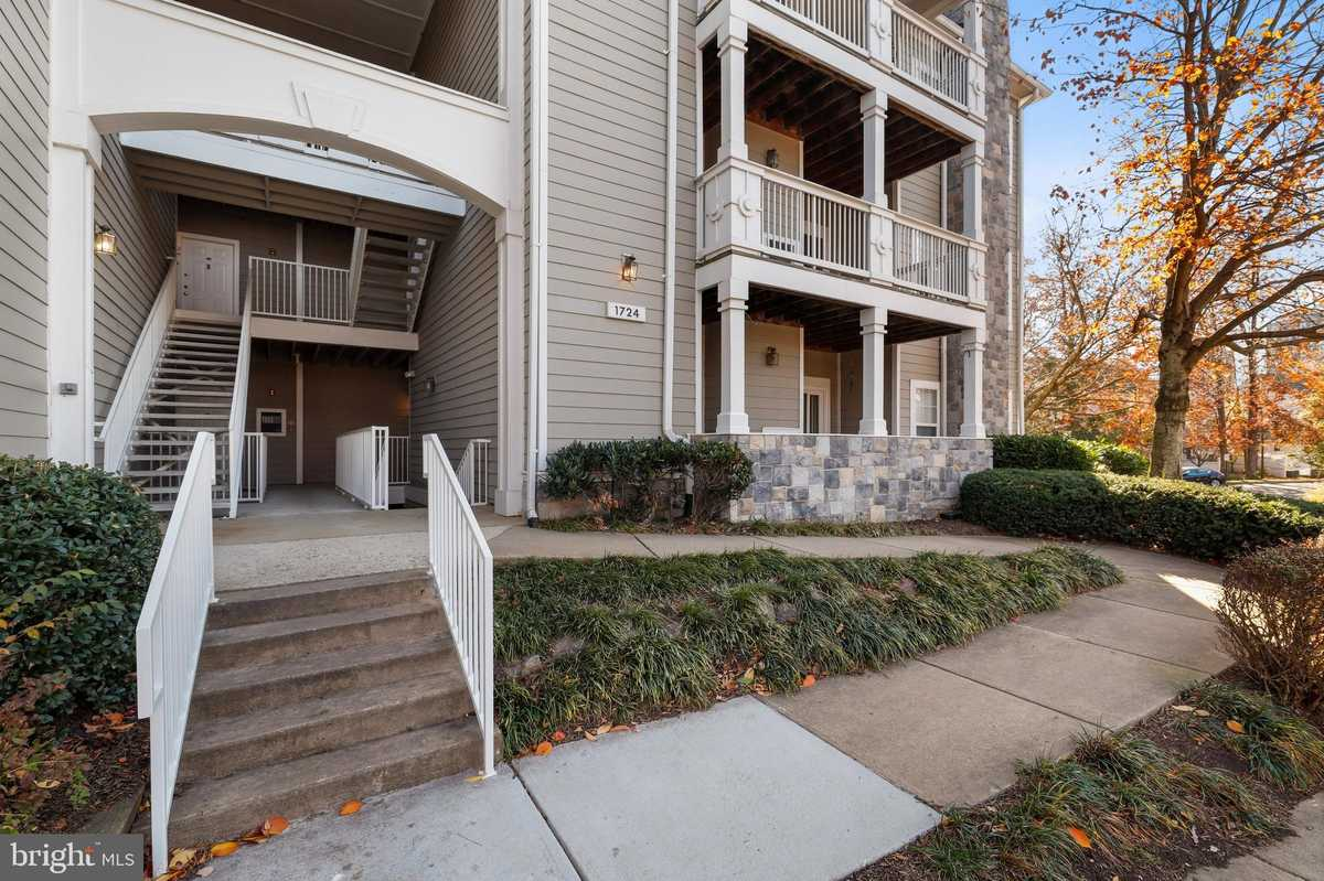 $329,500 - 2Br/2Ba -  for Sale in Edgewater At Town Center, Reston