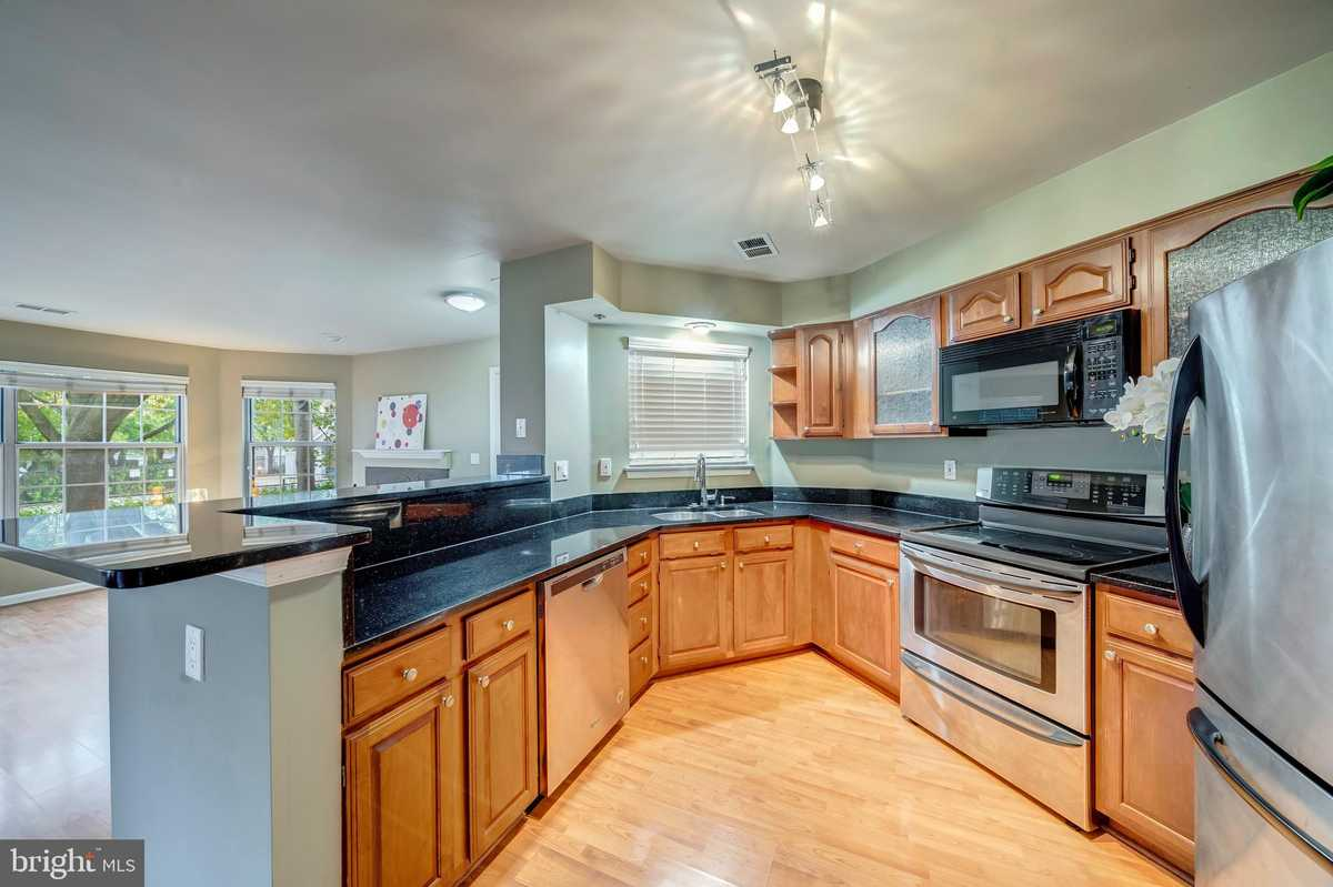 $295,000 - 2Br/2Ba -  for Sale in Willoughby's Ridge, Centreville