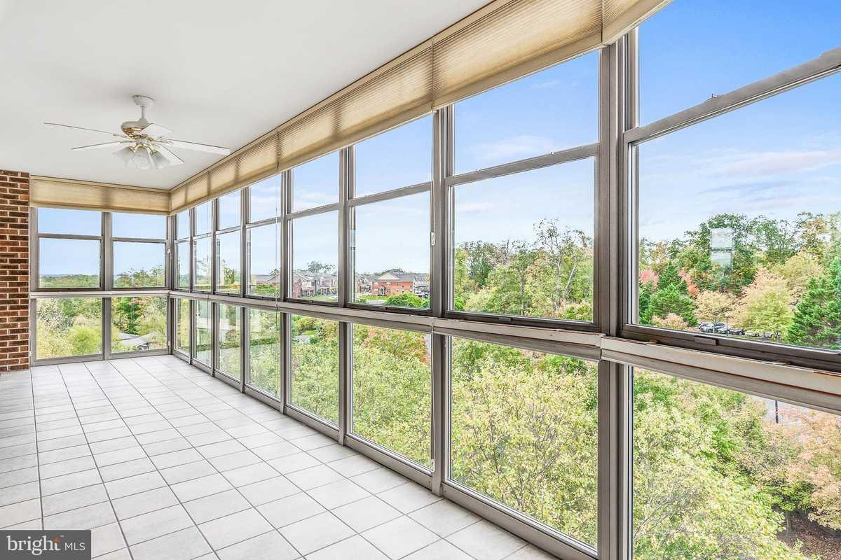 $460,000 - 2Br/2Ba -  for Sale in Lansdowne Woods, Leesburg