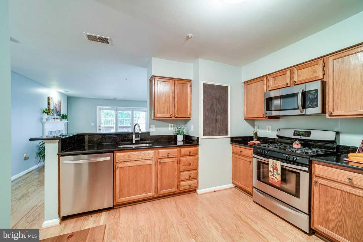 $365,000 - 2Br/2Ba -  for Sale in Stratford Place At Kings, Alexandria