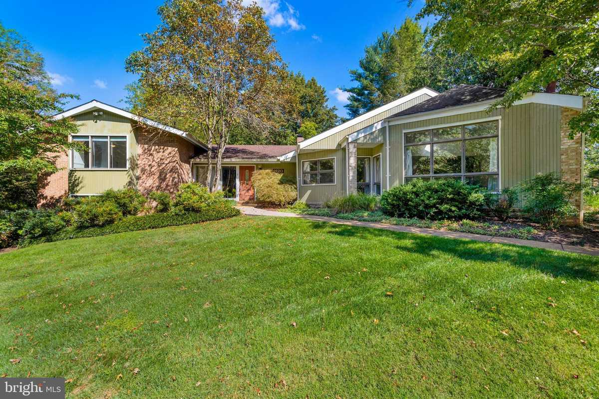 $1,035,000 - 4Br/3Ba -  for Sale in Twinmill, Oakton