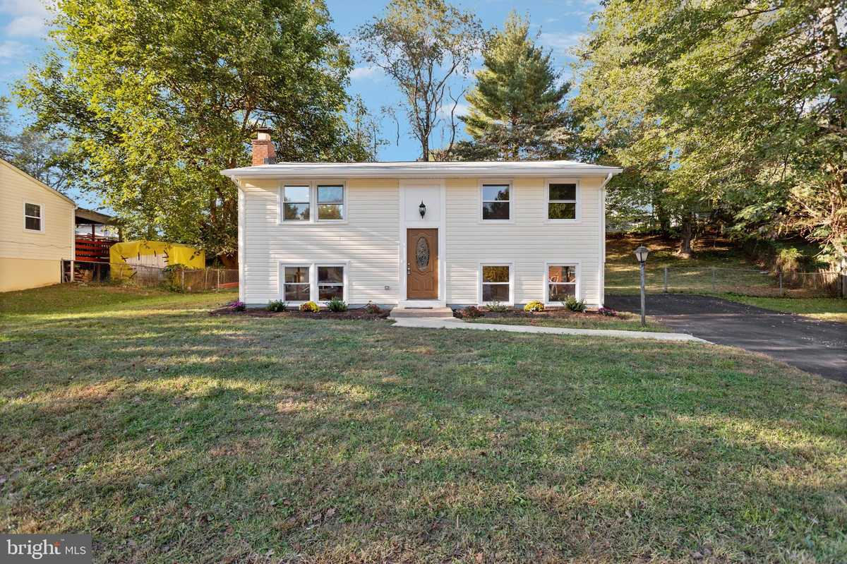 $435,000 - 4Br/2Ba -  for Sale in Dale City, Woodbridge