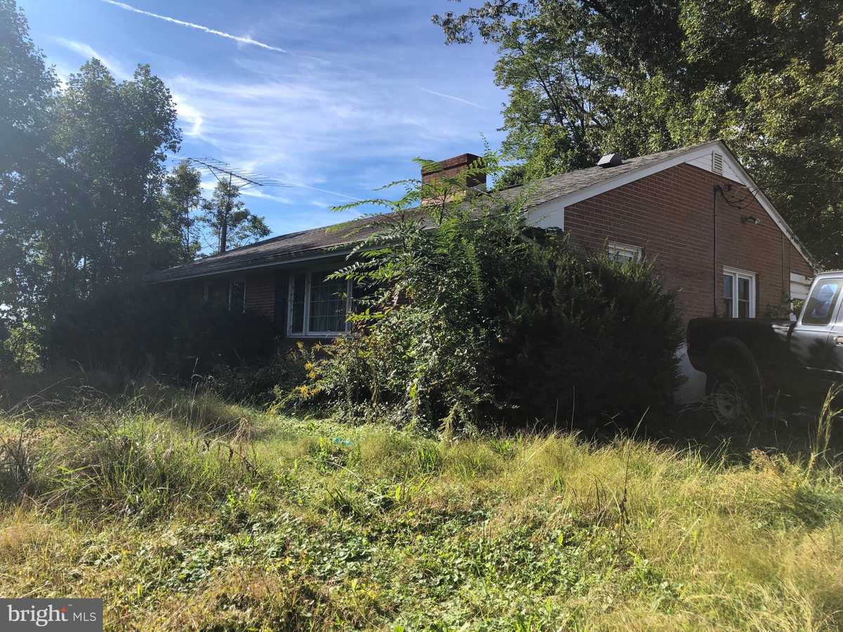 $225,000 - 3Br/2Ba -  for Sale in Metes & Bounds, Pratts