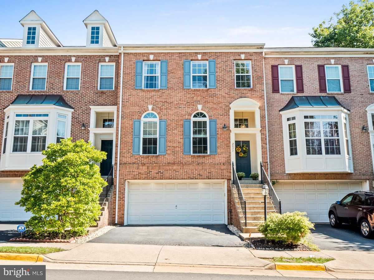 $725,000 - 4Br/4Ba -  for Sale in Wells Property, Fairfax