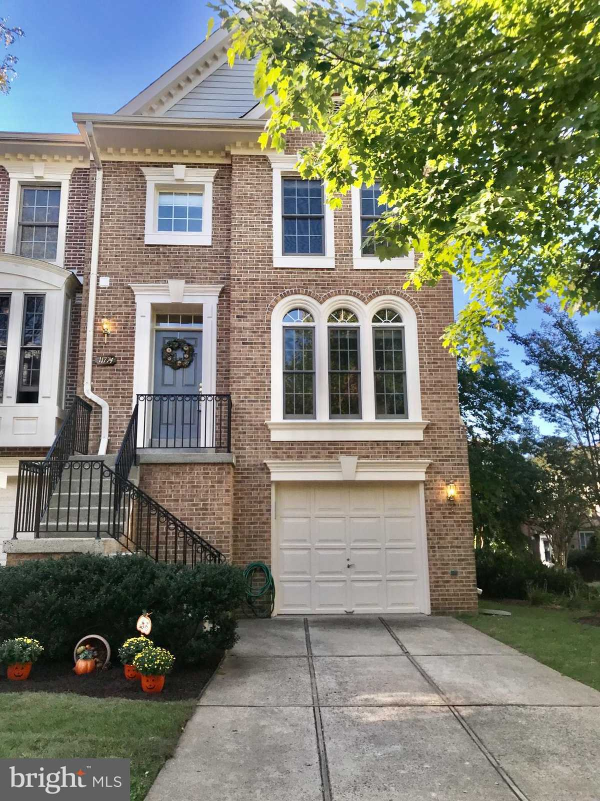 $637,000 - 3Br/4Ba -  for Sale in Penderbrook, Fairfax