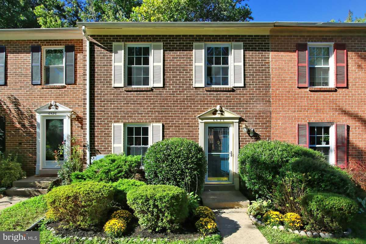 $499,900 - 3Br/4Ba -  for Sale in Shannon Station, Springfield
