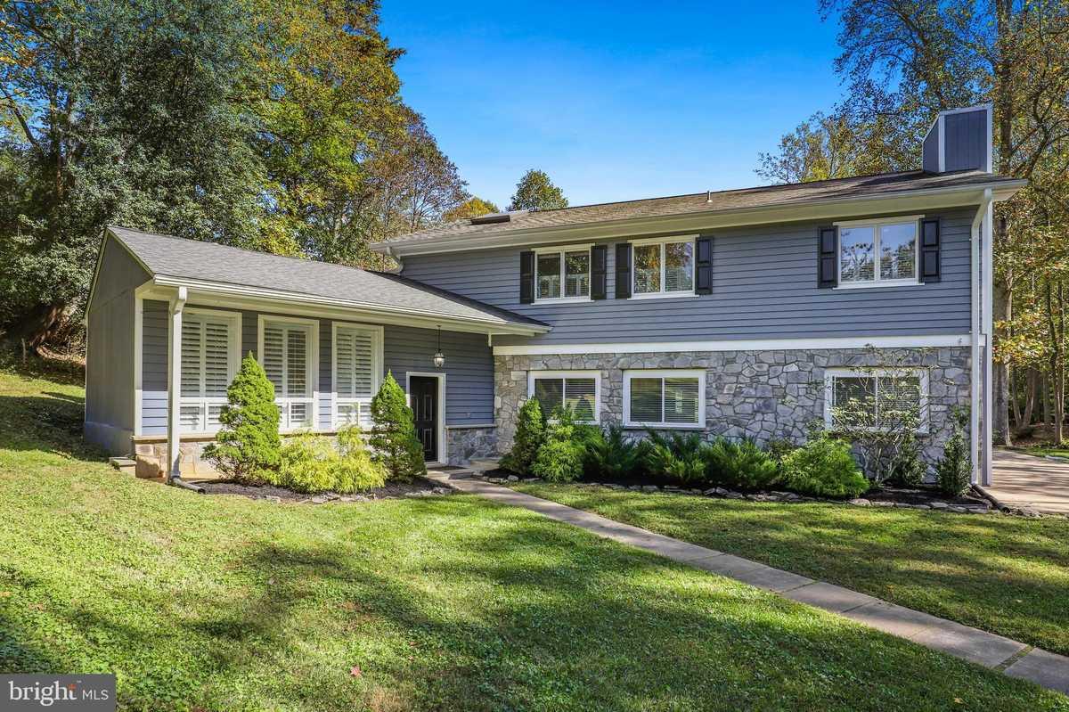 $799,900 - 4Br/3Ba -  for Sale in Difficult, Oakton