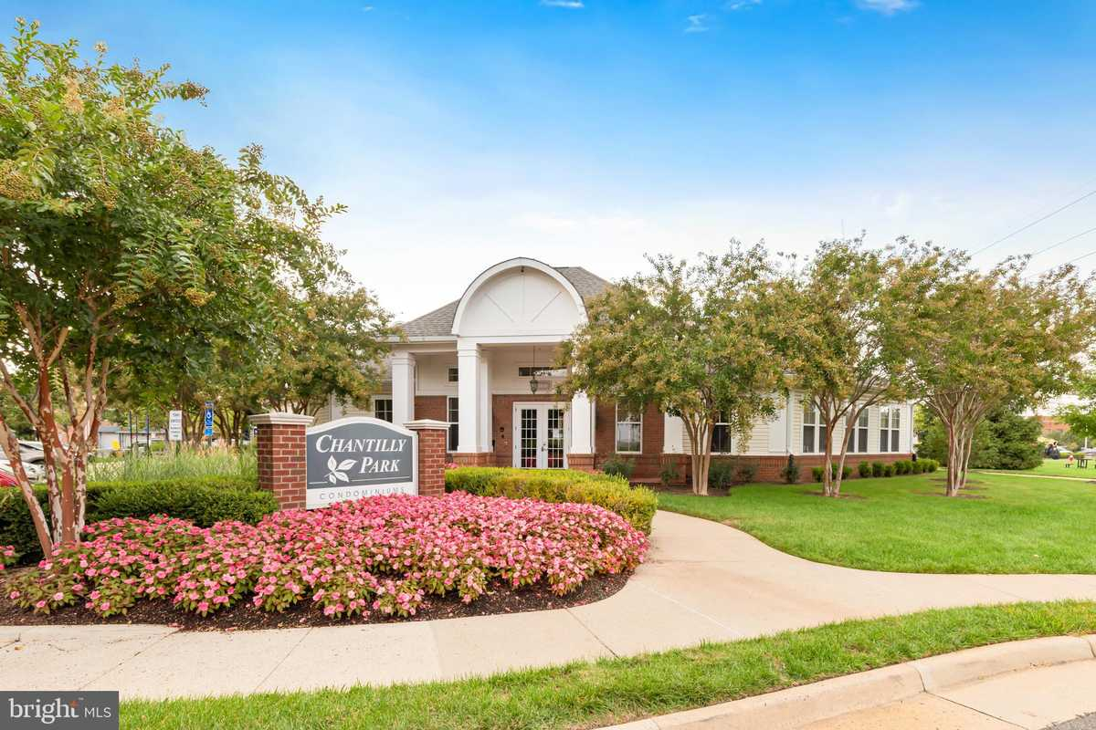 $317,000 - 3Br/2Ba -  for Sale in Chantilly Park, Chantilly