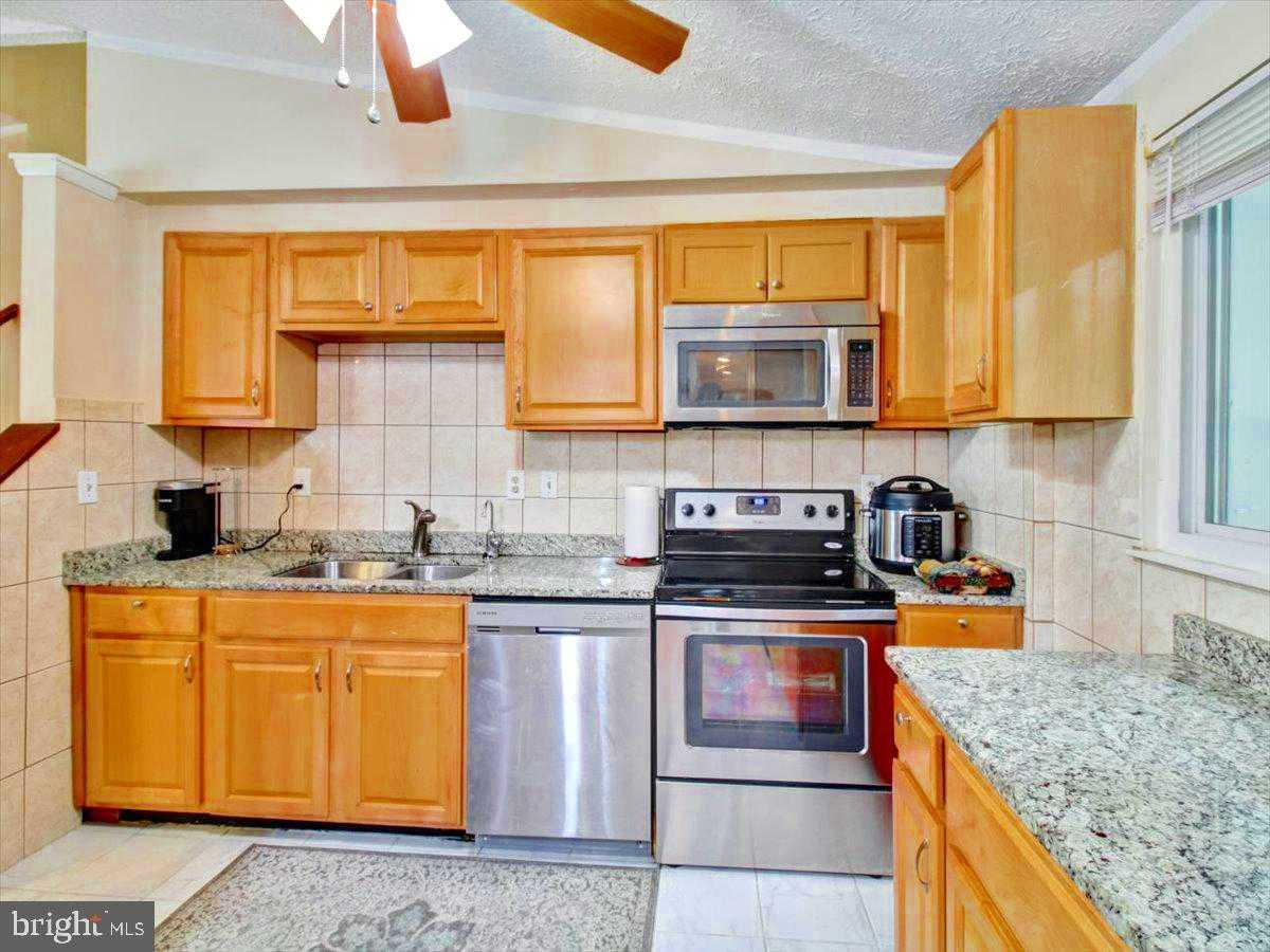 $749,900 - 7Br/6Ba -  for Sale in Newington Forest, Springfield