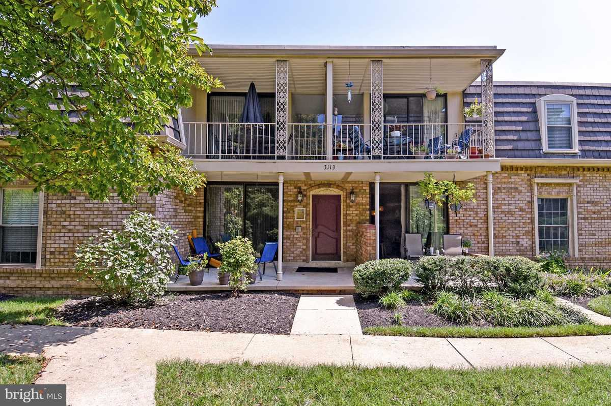 $309,000 - 2Br/2Ba -  for Sale in Chateaux, Falls Church