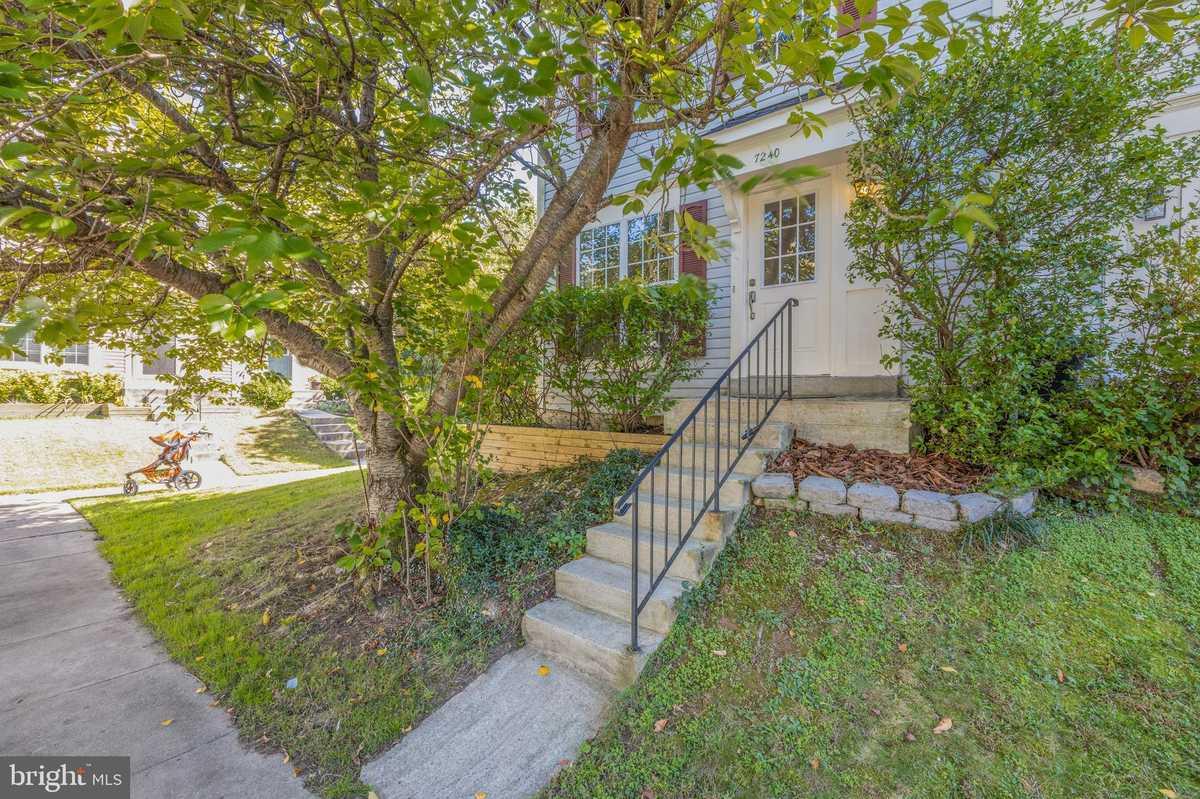 $425,000 - 2Br/3Ba -  for Sale in Woodstone, Alexandria