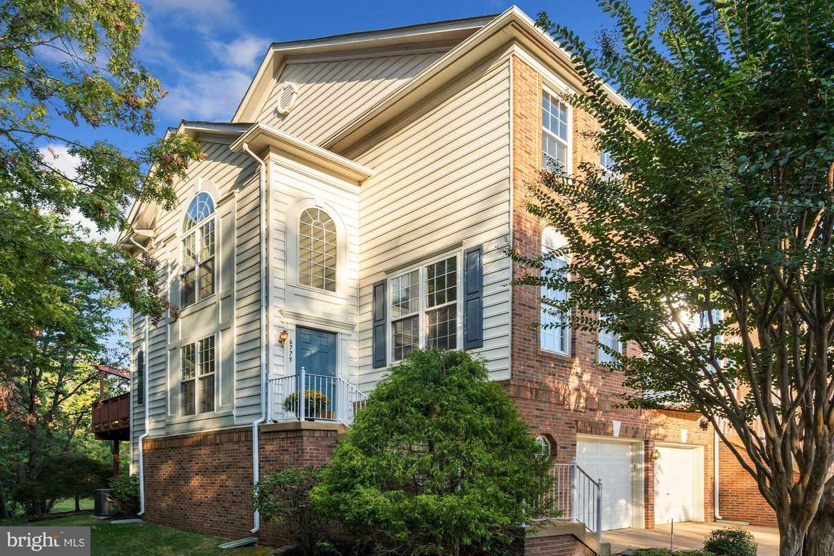 $750,000 - 3Br/4Ba -  for Sale in Townes At Manchester Par, Alexandria