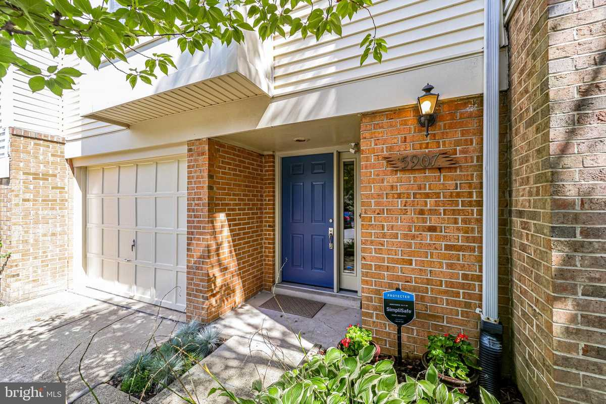 $565,000 - 3Br/4Ba -  for Sale in Runnymeade, Alexandria