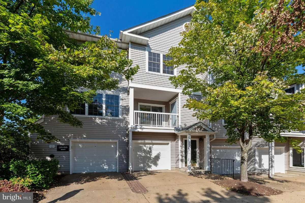 $394,900 - 3Br/2Ba -  for Sale in Gates Of Fair Lakes, Fairfax