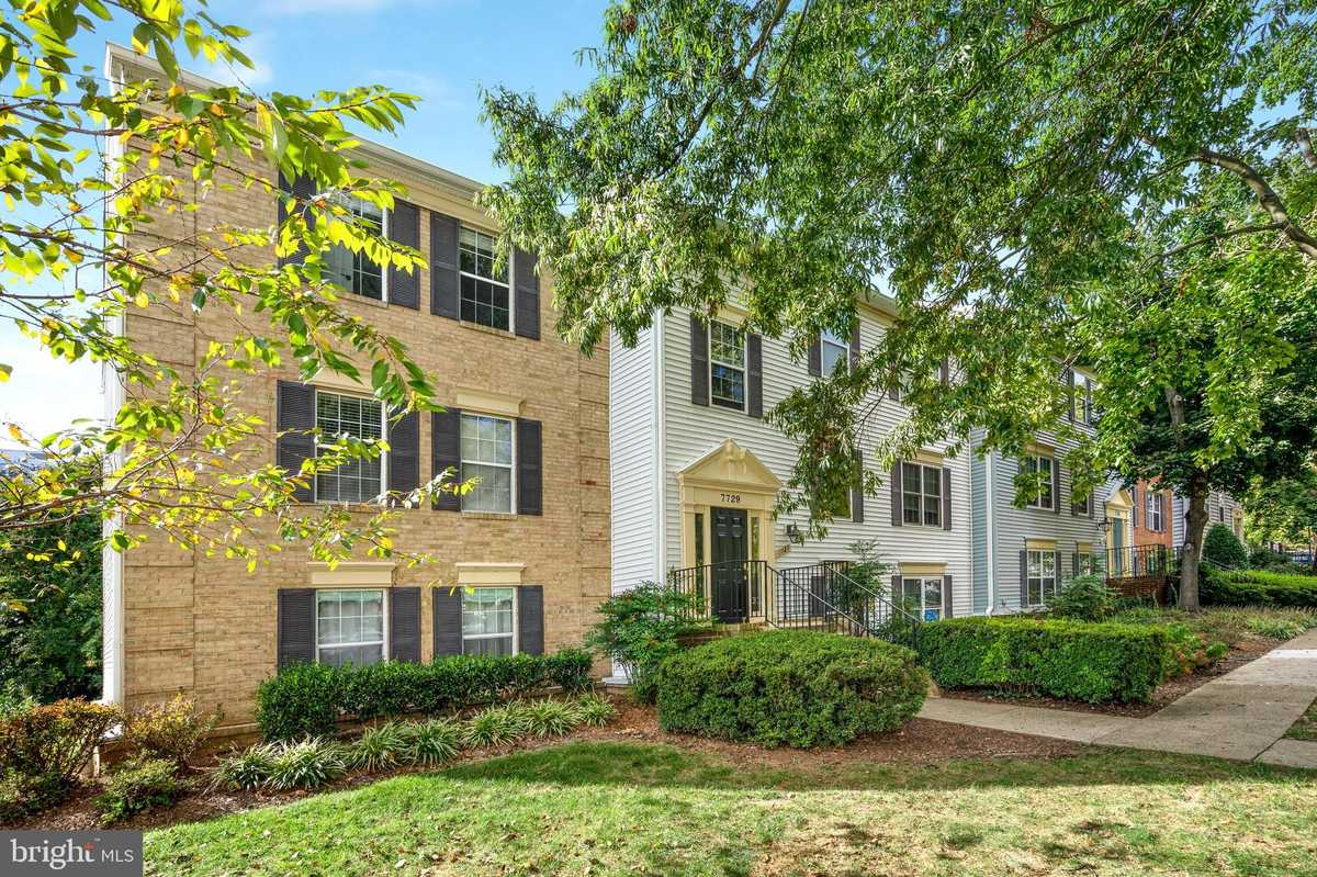 $299,999 - 1Br/1Ba -  for Sale in New Providence Village, Falls Church