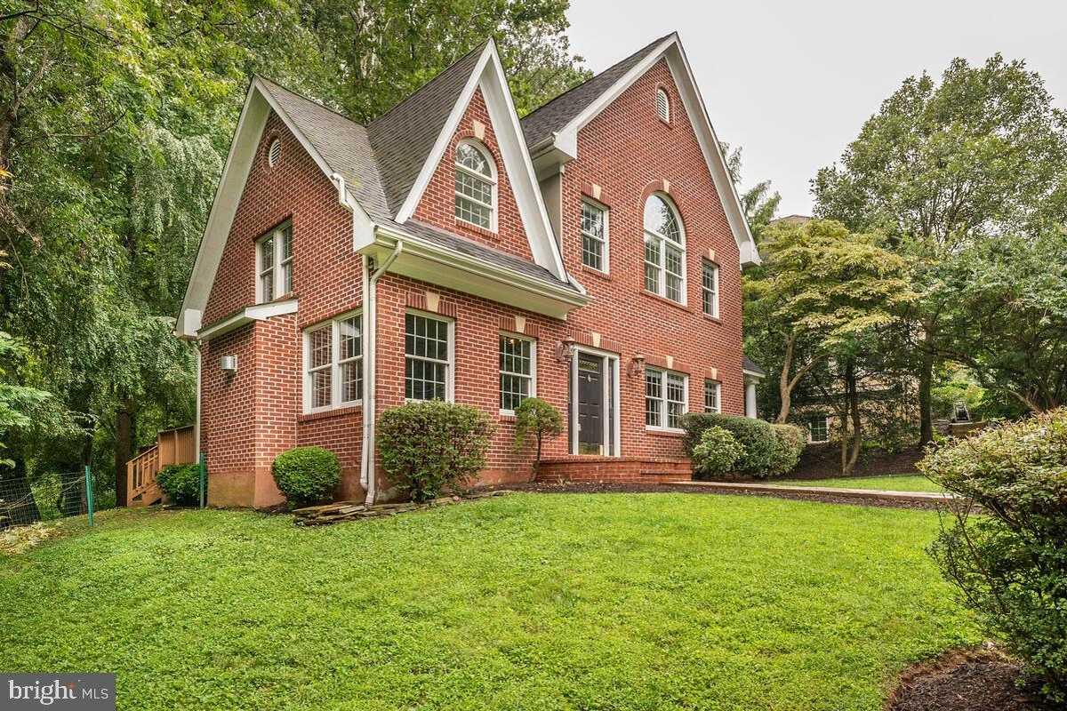 $850,000 - 4Br/3Ba -  for Sale in Belvedere, Falls Church