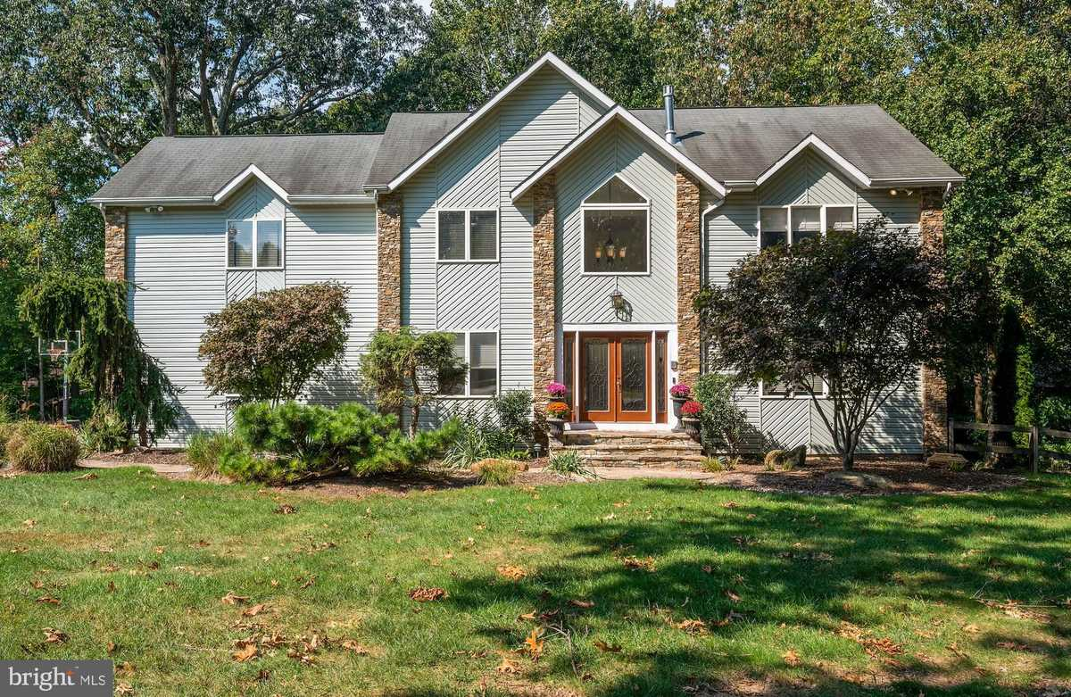 $699,900 - 4Br/4Ba -  for Sale in Valley Hills, Owings Mills